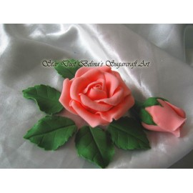 Pink roses, rosebuds and leafs